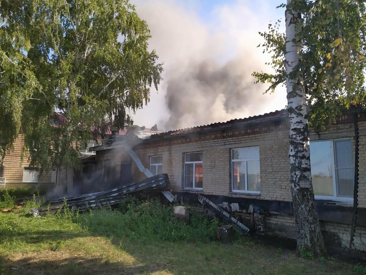 В Тамбовском районе произошел пожар в детском приюте: видео, фото-2