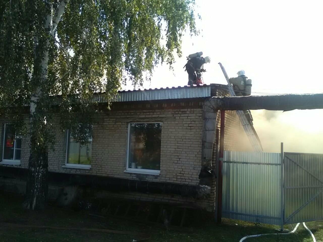 В Тамбовском районе произошел пожар в детском приюте: видео, фото-1