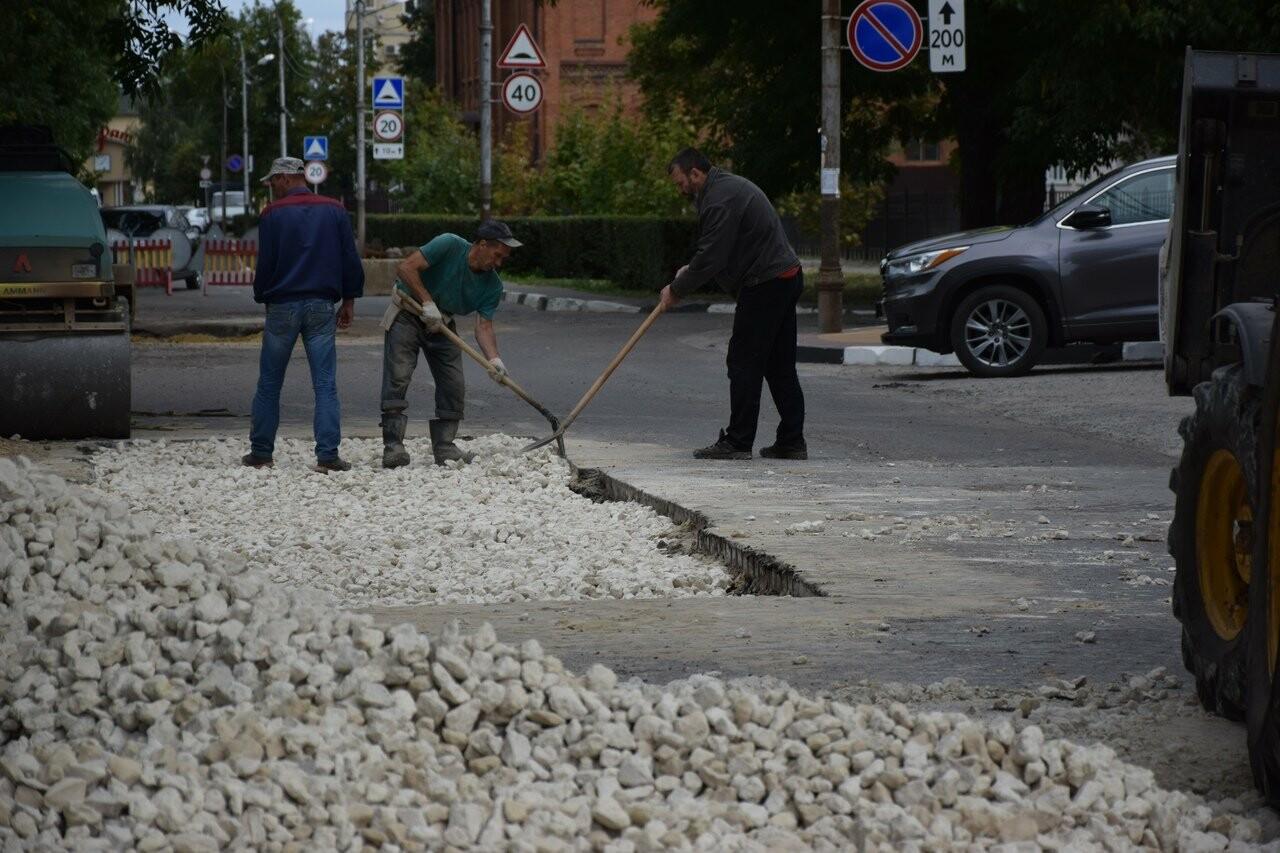 На улице Сергеева-Ценского в Тамбове восстанавливают асфальтовое покрытие, фото-3