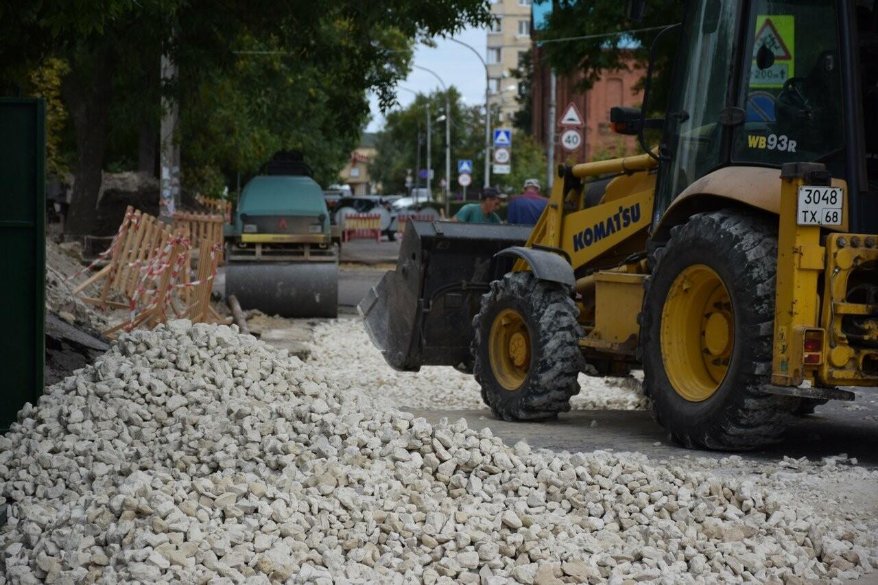 На улице Сергеева-Ценского в Тамбове восстанавливают асфальтовое покрытие, фото-5