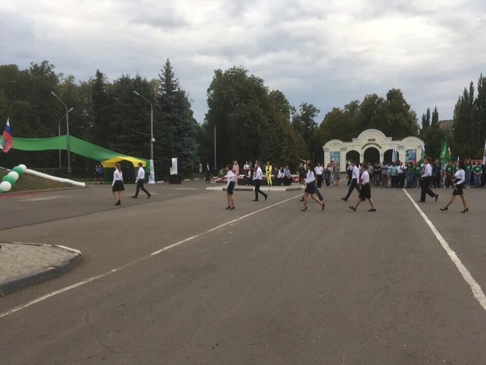 Губернатор поздравил мичуринских первокурсников с Днем знаний, фото-2