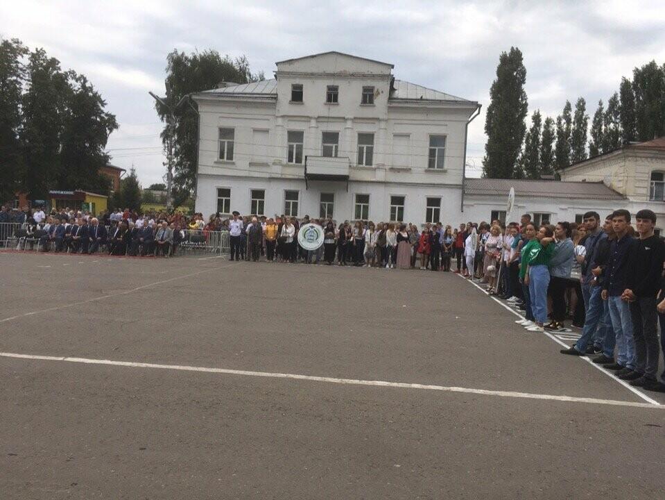 Губернатор поздравил мичуринских первокурсников с Днем знаний, фото-1