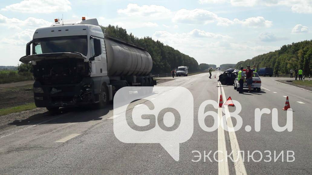 На федеральной трассе «Тамбов-Воронеж» произошло тройное ДТП: есть погибший, фото-1