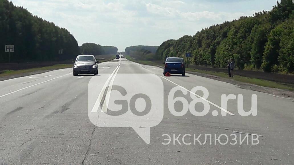 На федеральной трассе «Тамбов-Воронеж» произошло тройное ДТП: есть погибший, фото-2