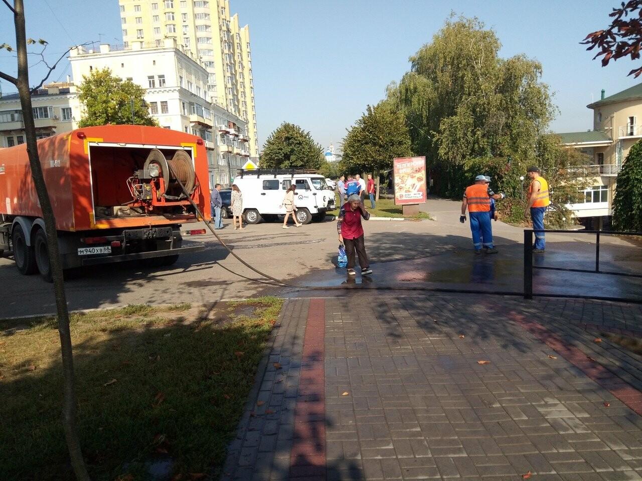 В Тамбове по Набережной текли нечистоты, фото-4
