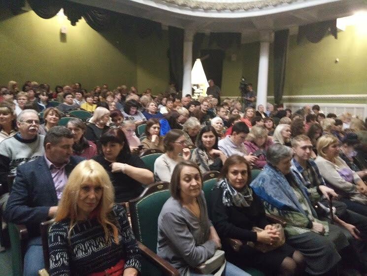 Тамбовский драмтеатр открыл 233-й сезон комедией «За двумя зайцами», фото-2