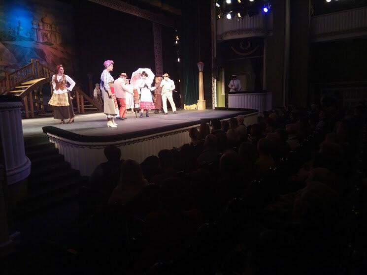 Тамбовский драмтеатр открыл 233-й сезон комедией «За двумя зайцами», фото-5