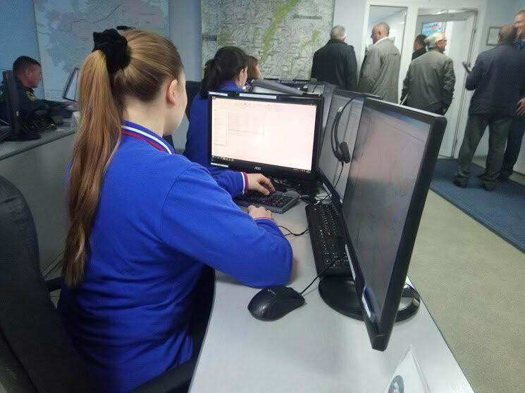 В тамбовском ГУ МЧС показали работу кризисного центра и передвижного пункта управления, фото-4