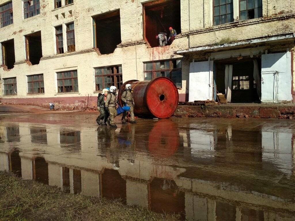 Сирены на «Пигменте»: в Тамбове ликвидировали разлитие соляной кислоты (видео), фото-15