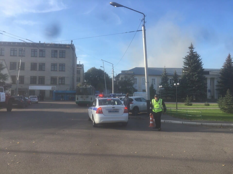 В Тамбове рядом с «Пигментом» горит ангар и двухэтажная пристройка: два человека госпитализированы (ВИДЕО), фото-2