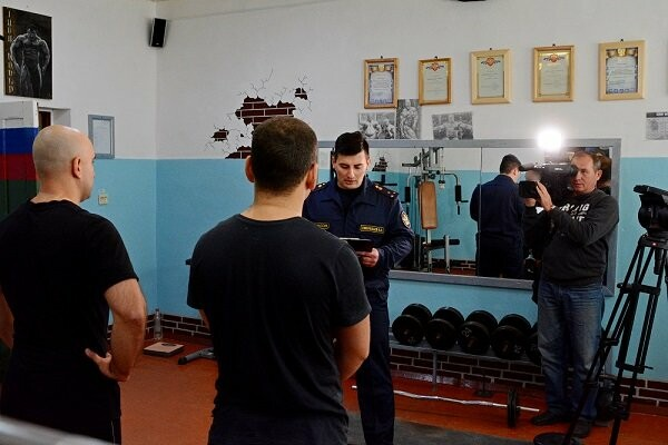 В тамбовской колонии оборудовали тренажерный зал для осужденных и провели соревнования по кроссфиту, фото-1