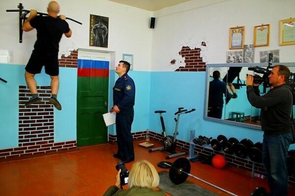 В тамбовской колонии оборудовали тренажерный зал для осужденных и провели соревнования по кроссфиту, фото-3
