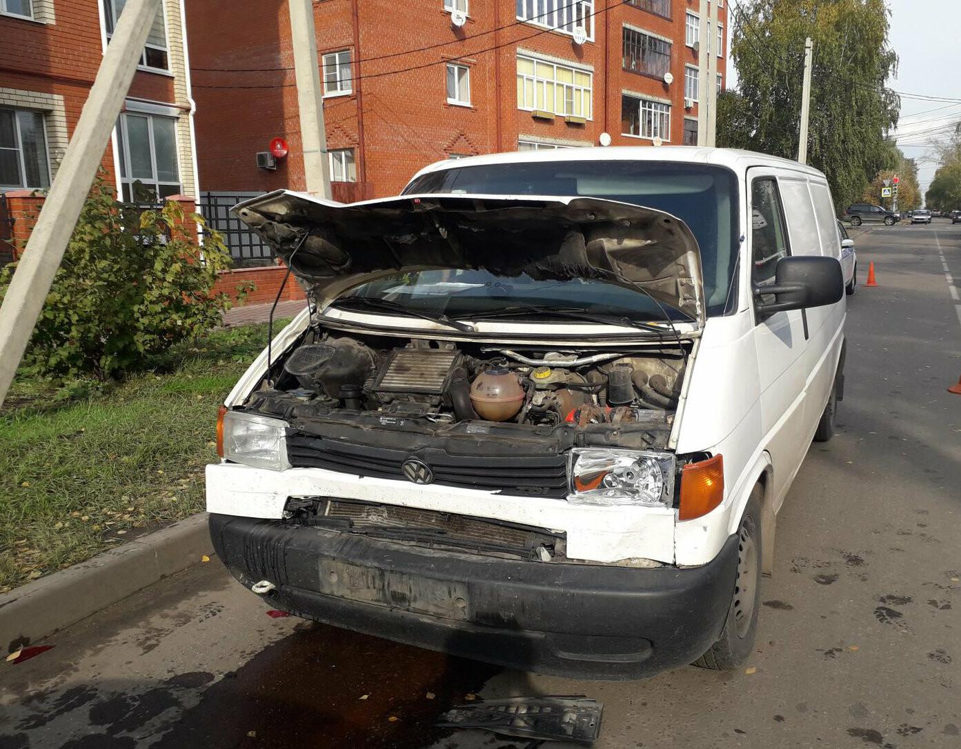 В Тамбове с первыми заморозками произошло массовое ДТП: пострадала женщина, фото-1