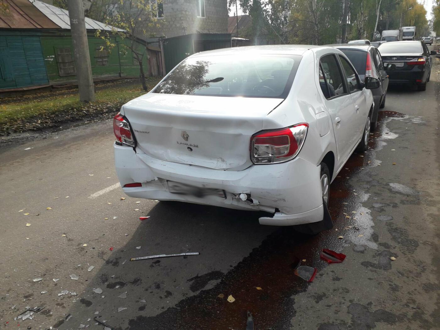 В Тамбове с первыми заморозками произошло массовое ДТП: пострадала женщина, фото-2