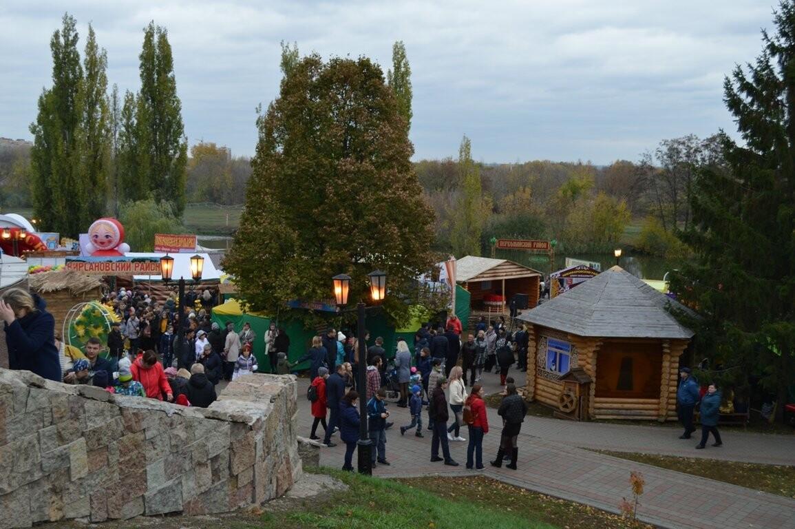 Второй день Покровской ярмарки в Тамбове: гастрономический фестиваль, праздник сарафана и танцы на лошадях, фото-5