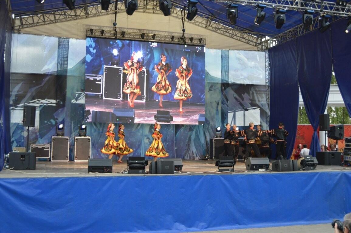 Второй день Покровской ярмарки в Тамбове: гастрономический фестиваль, праздник сарафана и танцы на лошадях, фото-9