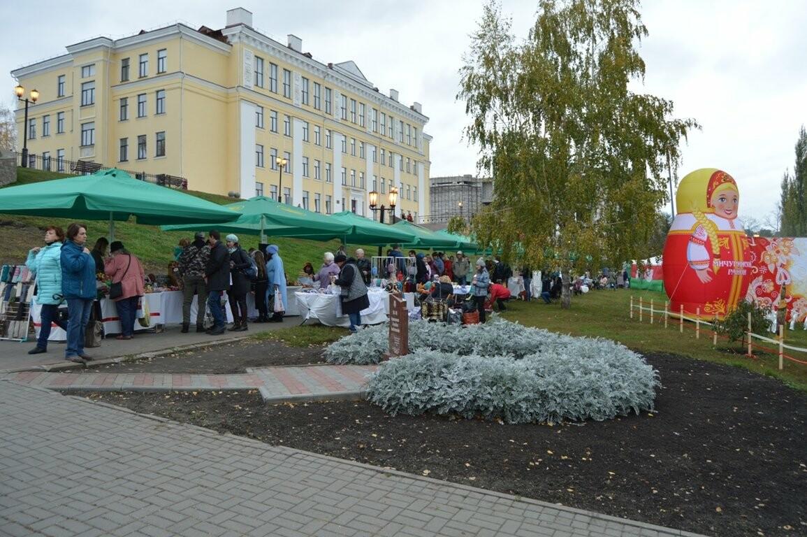 Второй день Покровской ярмарки в Тамбове: гастрономический фестиваль, праздник сарафана и танцы на лошадях, фото-23