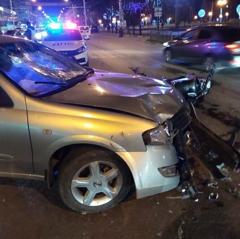 Мотоциклист получил тяжелые травмы в ДТП в центре Тамбова: видео, фото-2