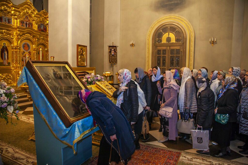 Православные тамбовчане встретили чудотворный образ иконы Божией Матери «Всех скорбящих Радость», фото-10