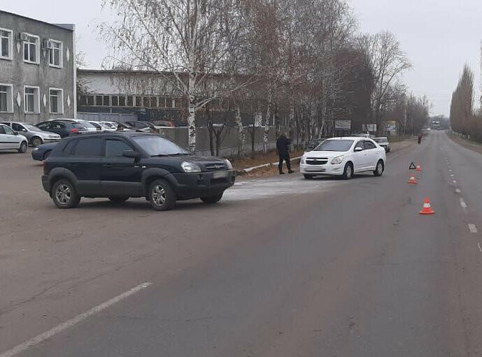 В Тамбовской области госпитализировали мотоциклиста после столкновения с двумя автомобилями, фото-1