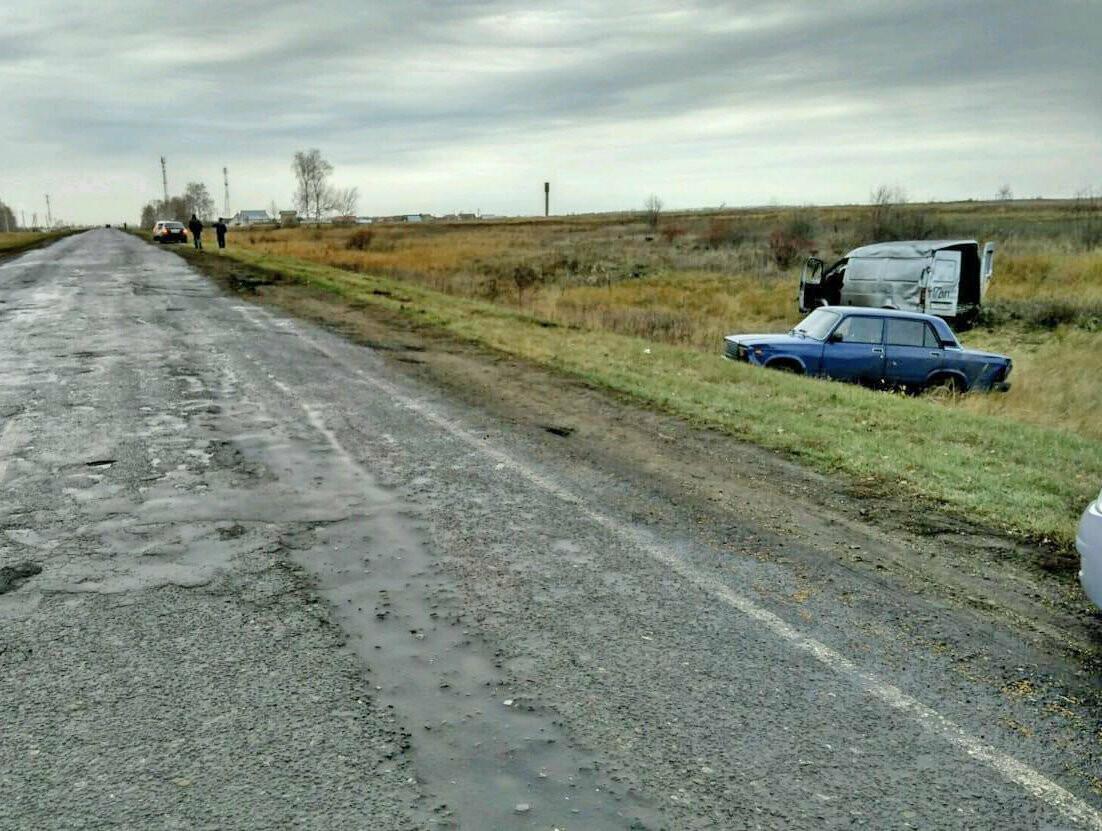 В Тамбовской области пьяный водитель без прав на «ГАЗели» протаранил легковушку, фото-1