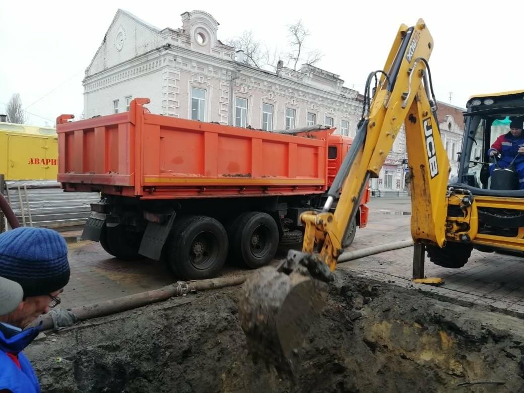 В центре Тамбова начали ремонтировать обрушившийся коллектор, фото-1