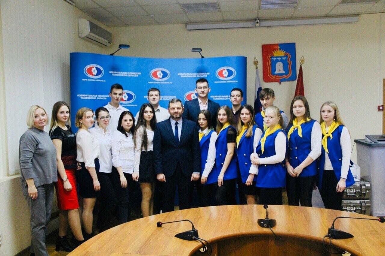 Студенты Тамбовского филиала Президентской Академии приняли участие в дебатах, фото-1