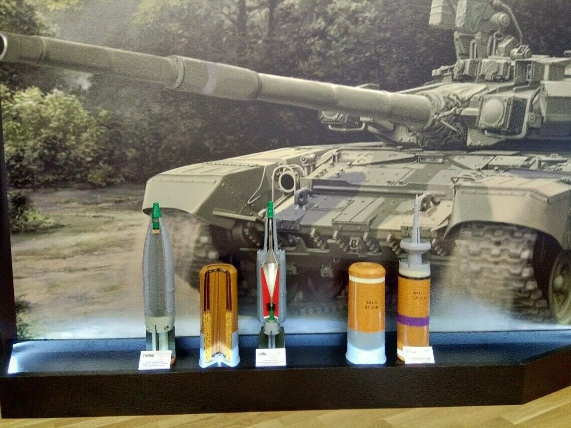 От пулеметных патронов до перспективных ракет: в Тамбове показали современные боеприпасы, фото-5