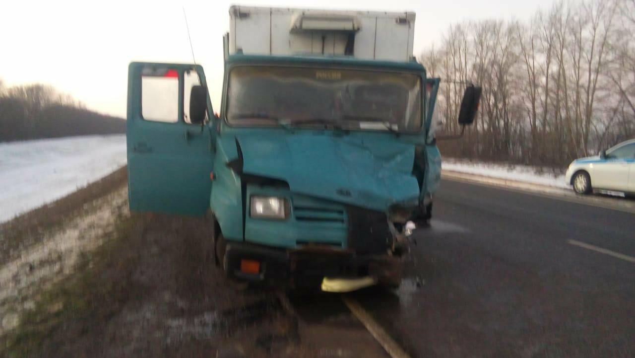Один человек погиб и двое серьезно пострадали в ДТП на трассе Воронеж-Тамбов, фото-2