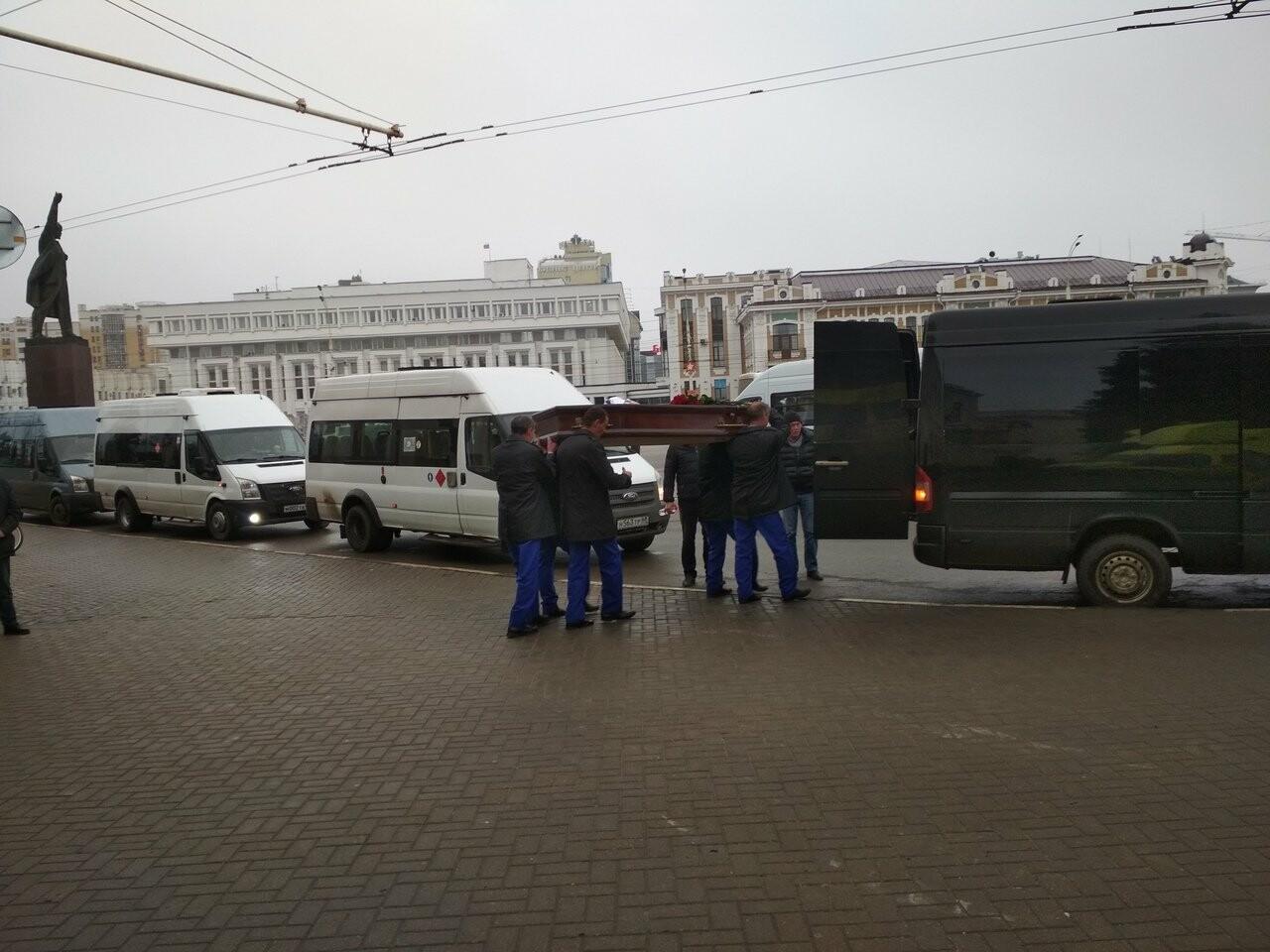 Скорбный день: в Тамбовской области простились с вице-губернатором Глебом Чулковым, фото-4