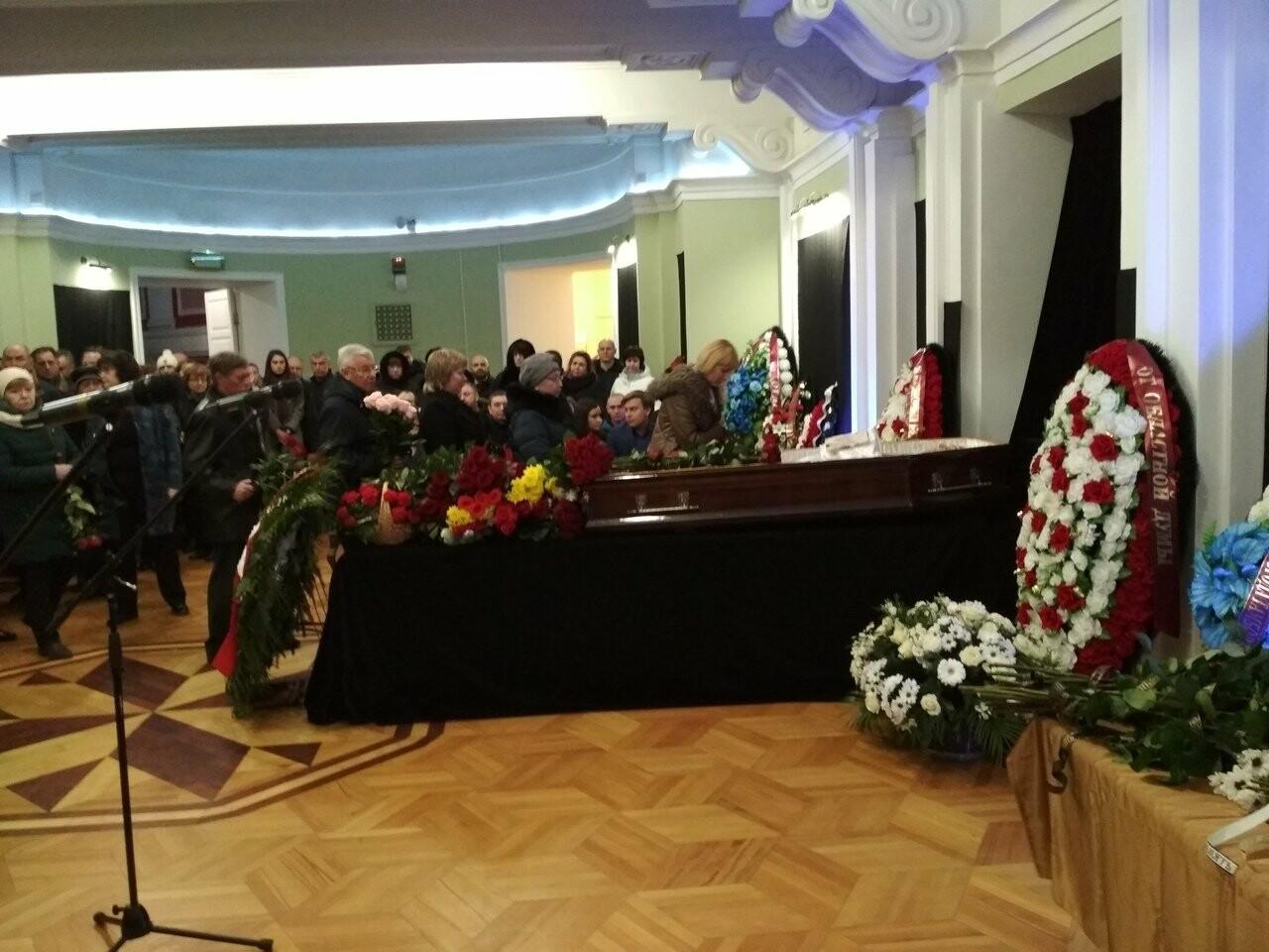 Скорбный день: в Тамбовской области простились с вице-губернатором Глебом Чулковым, фото-3