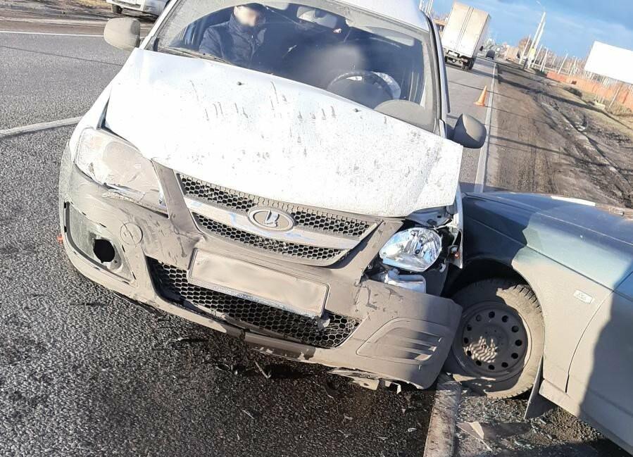 На трассе Р-22 «Каспий» под Тамбовом столкнулись две «Лады», пострадала женщина, фото-2