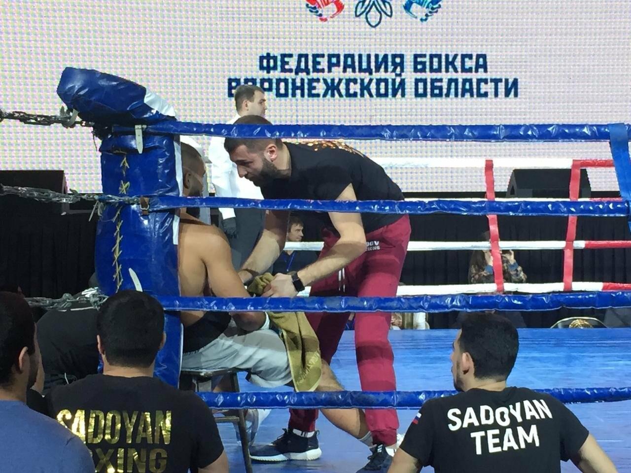 Три тамбовских боксёра одержали победы в первом этапе «Кубка четырёх сезонов»: видео, фото-1