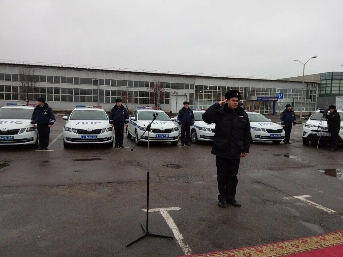 Тамбовские полицейские получили 22 новых служебных машины , фото-1