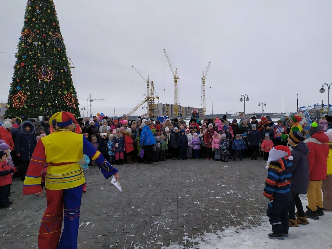Маленьким тамбовчанам устроили новогоднее представление в Олимпийском парке, фото-6