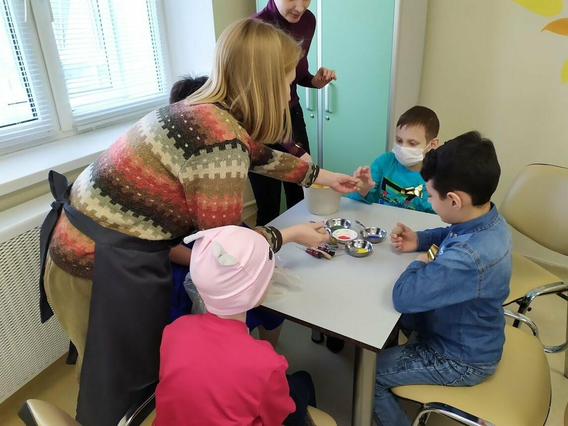 Пациентам онкологического отделения тамбовской детской облбольницы устроили праздник, фото-1