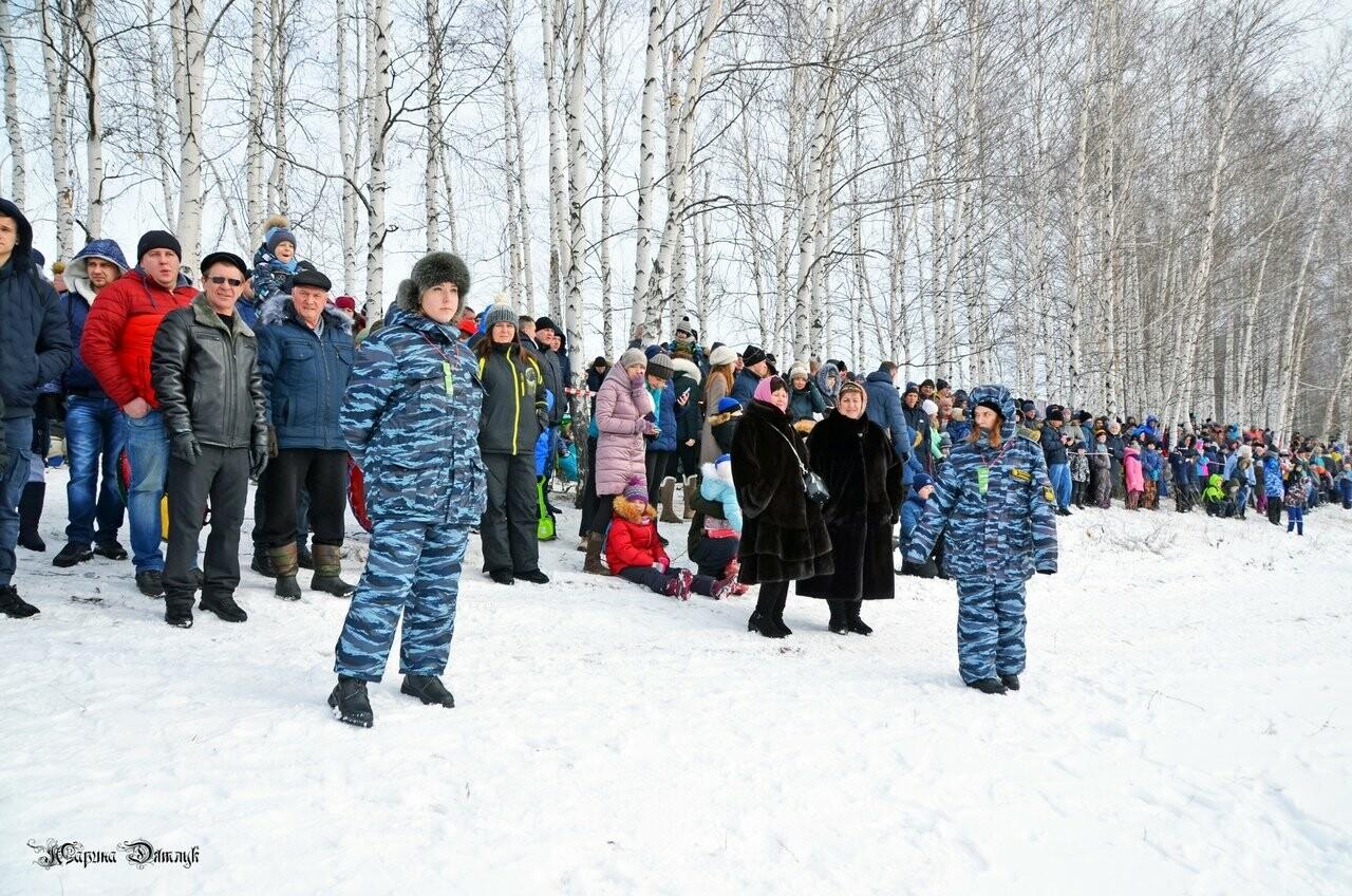 Второй фестиваль «Лысогорские санки» под Тамбовом посетили Баба-Яга и инопланетяне, фото-13