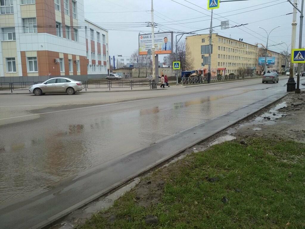В центре Тамбова снова крупная коммунальная авария, фото-7
