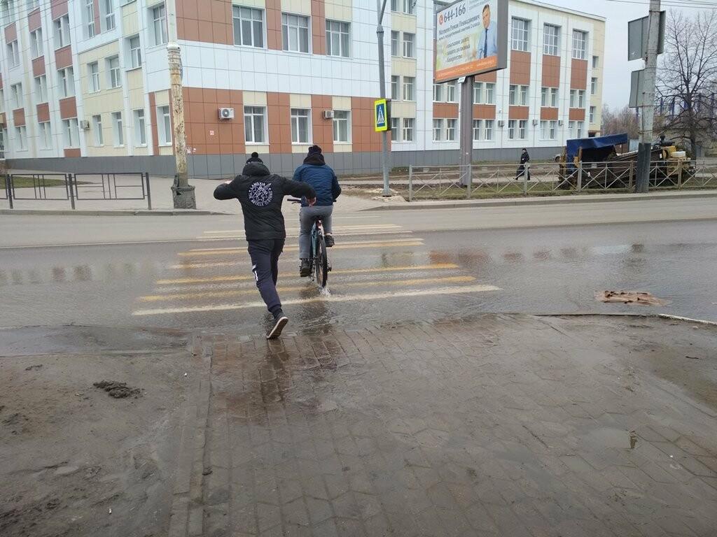 В центре Тамбова снова крупная коммунальная авария, фото-8