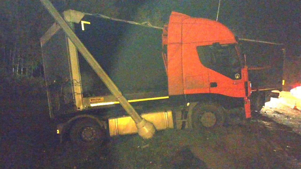 На Тамбовщине в ДТП с двумя легковушками и тягачом пострадал человек, фото-2