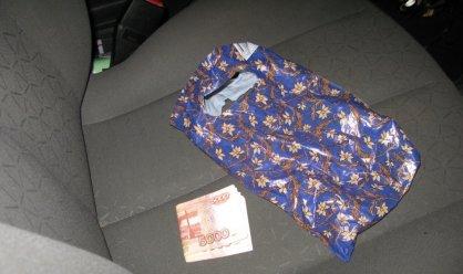 Сотрудник тамбовской колонии пронес заключенному запрещенные предметы за деньги, фото-1