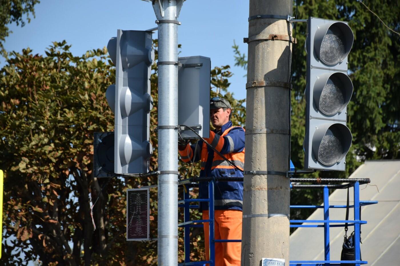В Тамбове на улице Авиационной устанавливают новый светофор, фото-2