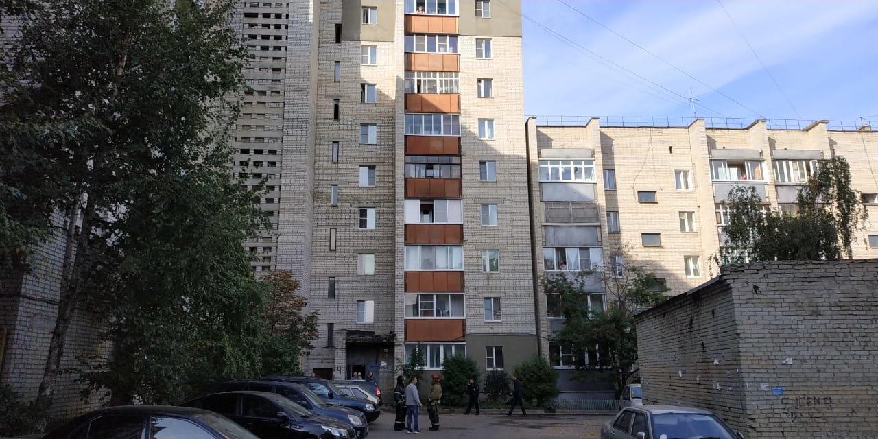 В Тамбове пенсионерка погибла в огне, а ехавшие на вызов пожарные попали в ДТП: видео, фото-1