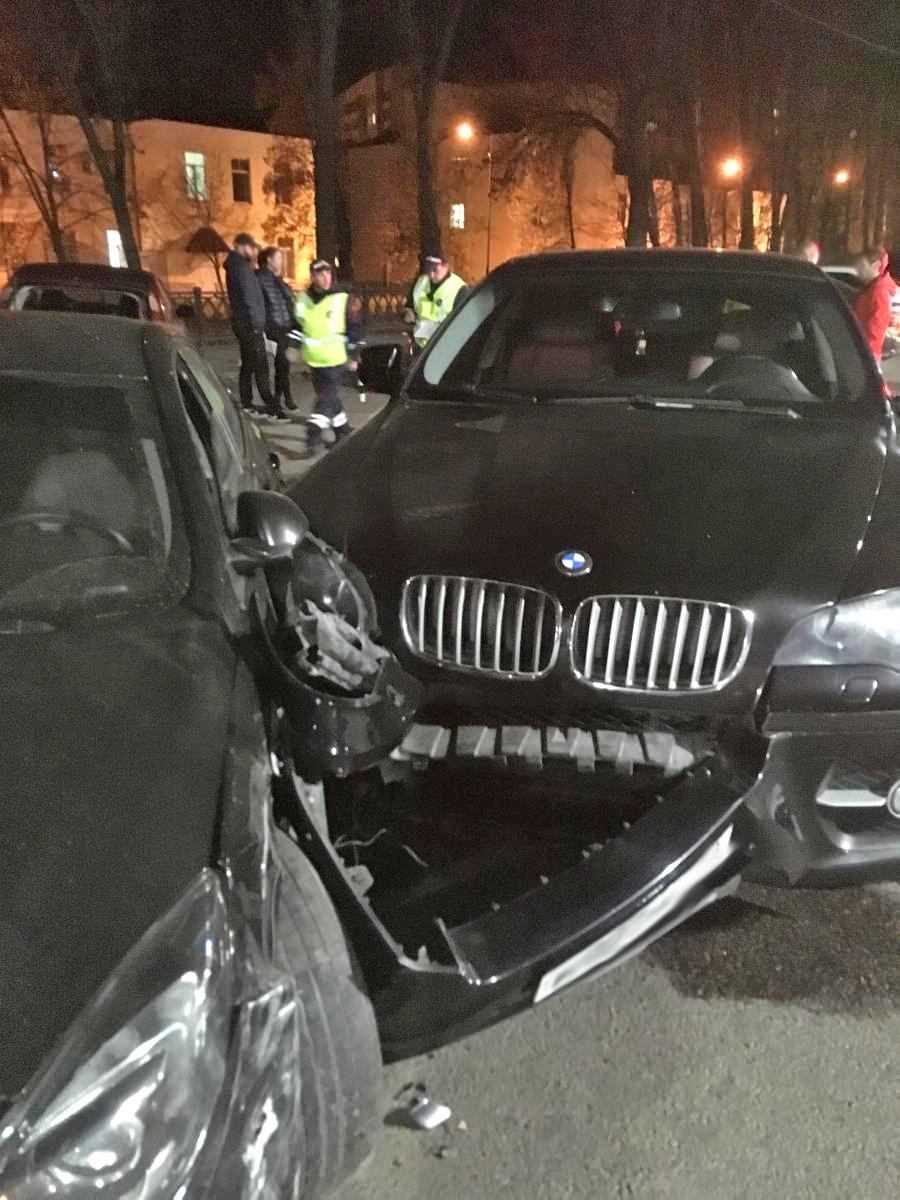 В центре Тамбова водитель BMW X6 устроил массовое ДТП: пострадала девушка, фото-2