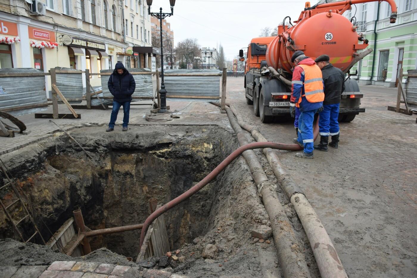 В Тамбове продолжают ремонт коллектора на улице Коммунальной, фото-1