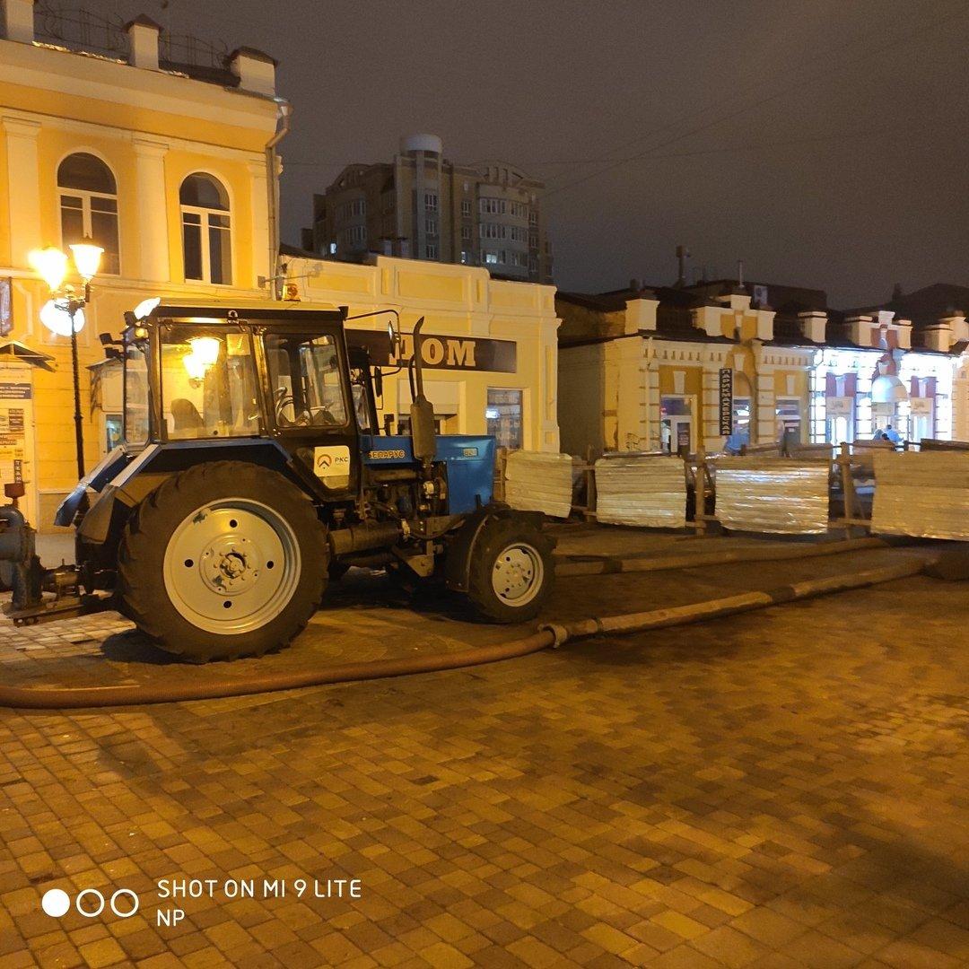 В Тамбове на улице Коммунальной снова обрушился коллектор и провалился грунт, фото-1