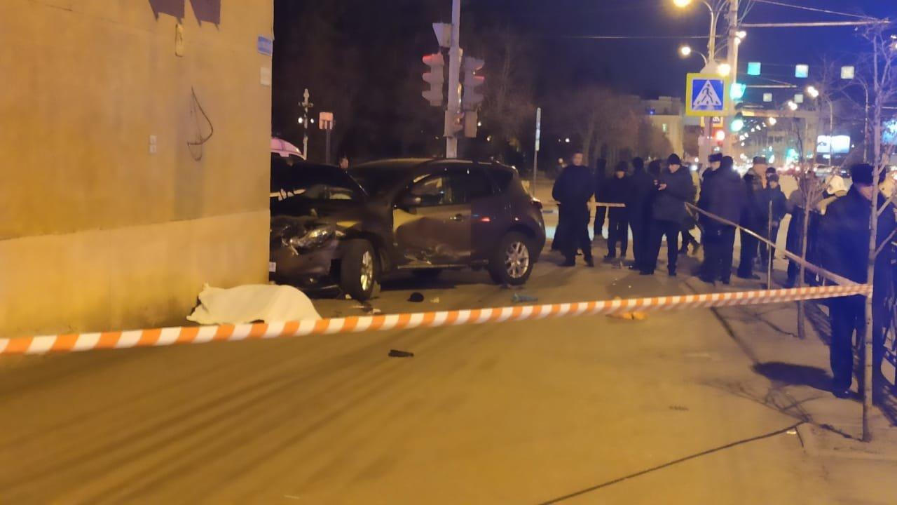 В центре Тамбова легковушка после ДТП вылетела на тротуар. Погиб пешеход, еще семеро пострадали (ВИДЕО), фото-4