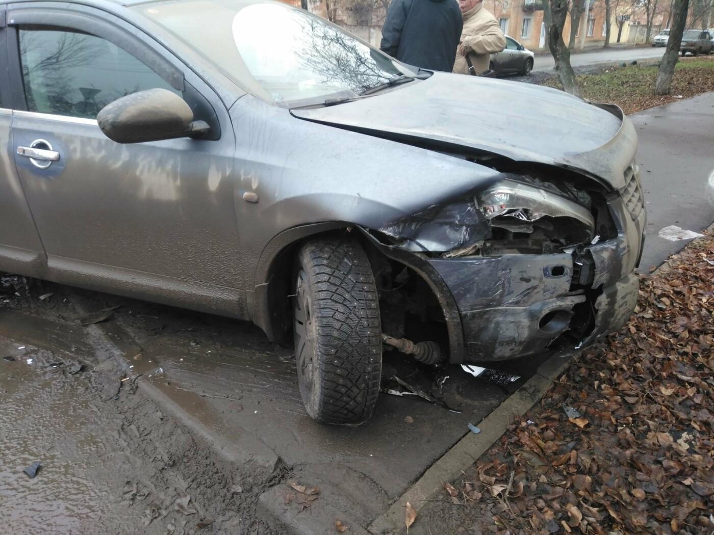 В Тамбове при столкновении двух иномарок пострадала пенсионерка, фото-2