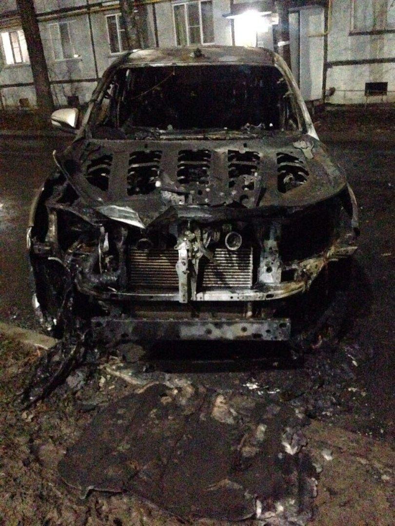 В центре Тамбова ночью сгорели две «Тойоты» и «Лада», фото-3
