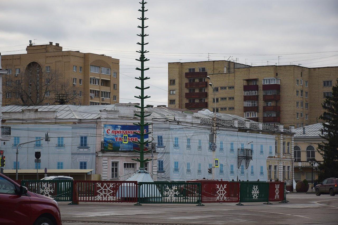 В Тамбове начали украшать площадь Ленина к Новому году, фото-1